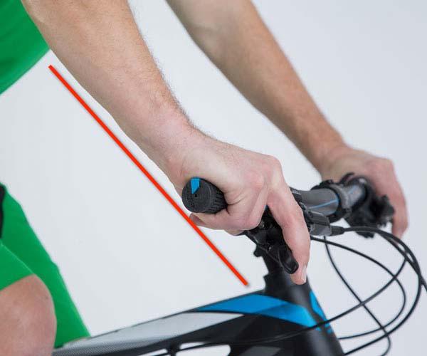 Bei der Bremshebel Ausrichtung darf das Handgelenk nicht abknicken