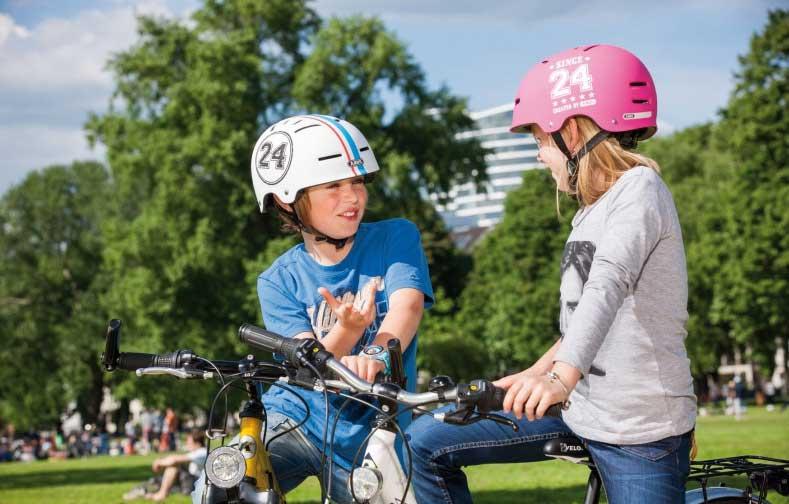 Fahrradspiele in der Stadt