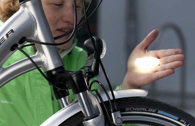 Kontrolle der Fahrradbeleuchtung