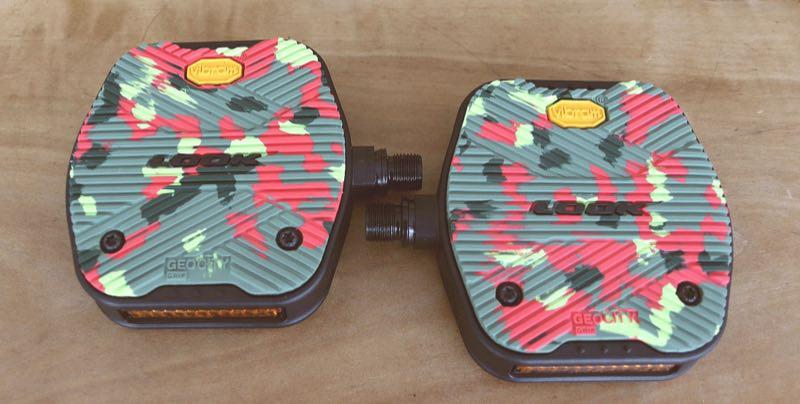Das Bild zeigt die neuen Look Pedale in Camouflage Design